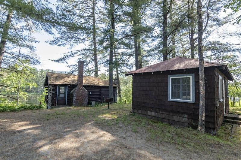 Farthest Cabins Near The Pond