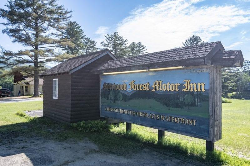 Sherwood Forest Inn Sign